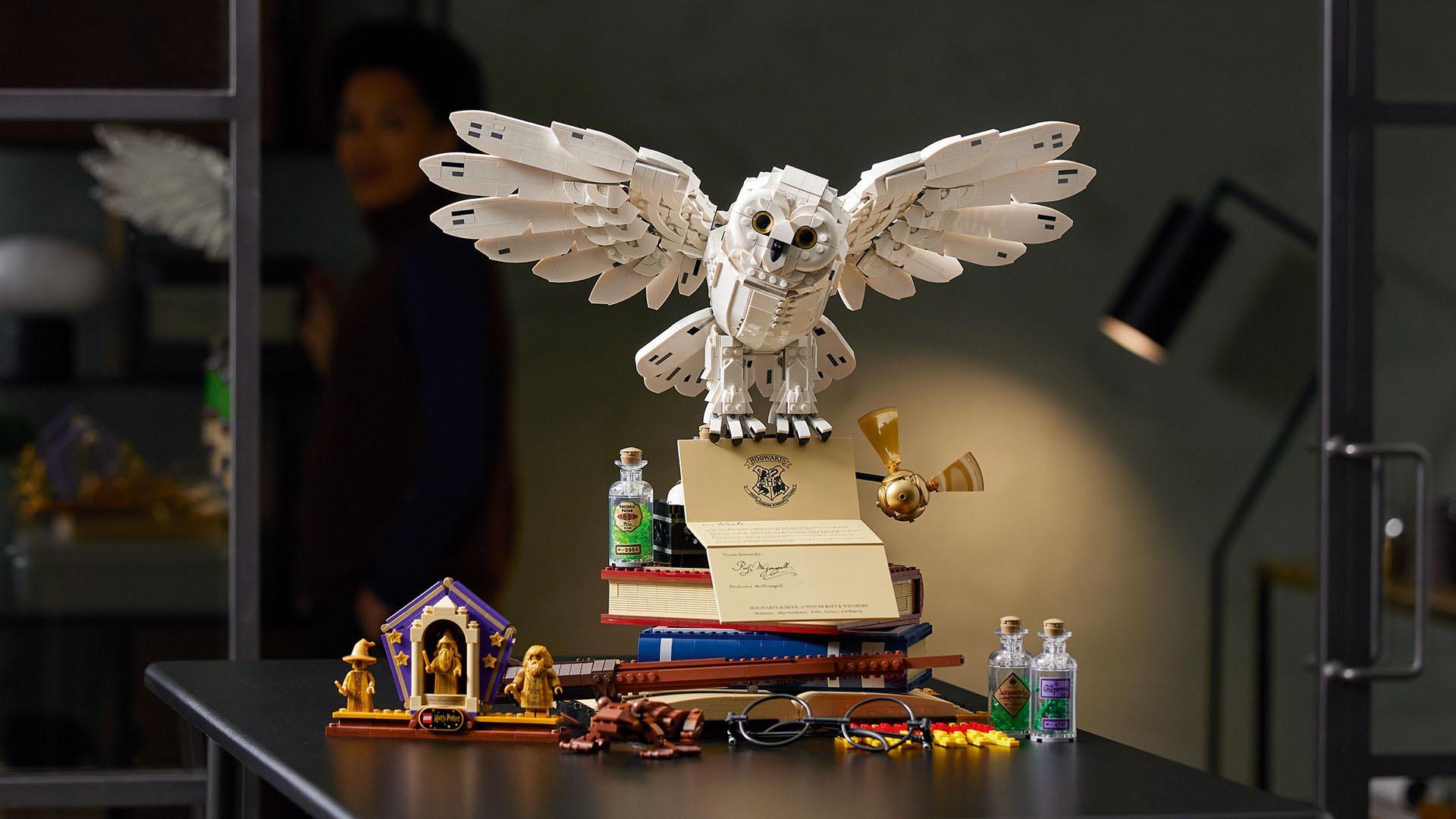Символы Хогвартса в магазине LEGO®
